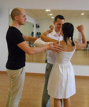 Cours de danse en salle privée avec votre professeur de danse de salon particulier à Talence ou à Lugon, proche Libourne.