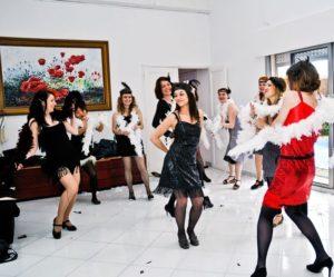EVJF à Bordeaux, EVG, Bruges, caudéran, pessac, bouliac, libourne, talence, cours de danse à domicile, danse mariage, ouverture de bal mariage gironde, apprenez à danser avec un professeur de danse particulier.