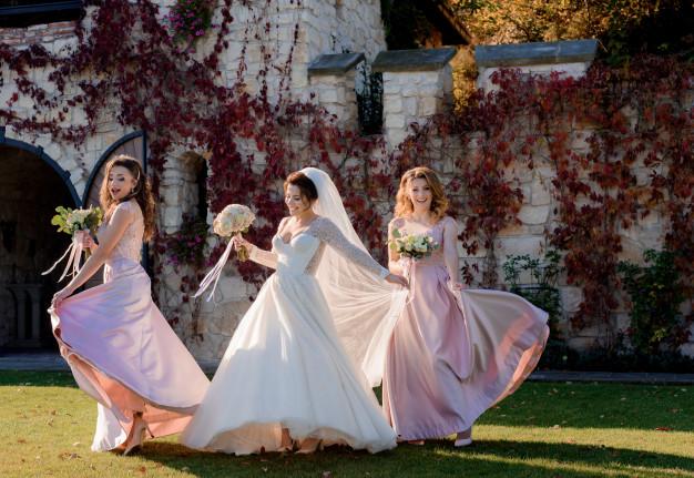 Danse pour tous vos événements, danse mariage, valse mariage à Bordeaux et la CUB, cours de anse à domicile, cours de danse en salle privée, votre professeur vient chez vous et se déplace autour de bordeaux
